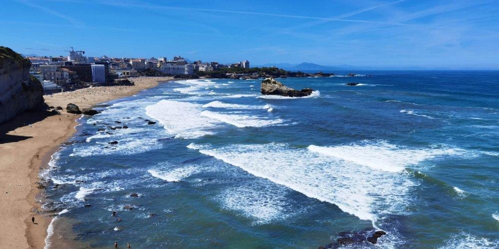 Biarritz sunset is like California